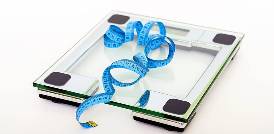 Pierdere în greutate tub de hrănire în vârstă)